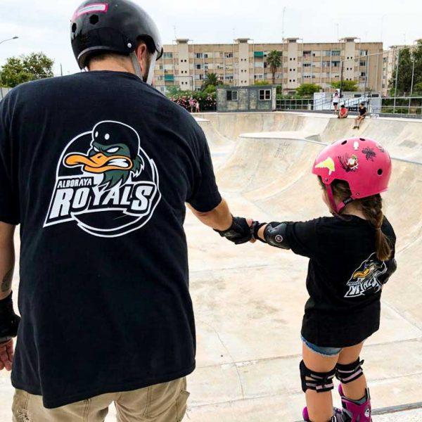 Clases-de-Roller-Freestyle-Betero-Skatepark-Bowl-Club-Patinaje-Valencia-Royals-Monitor-y-Alumna-Niña